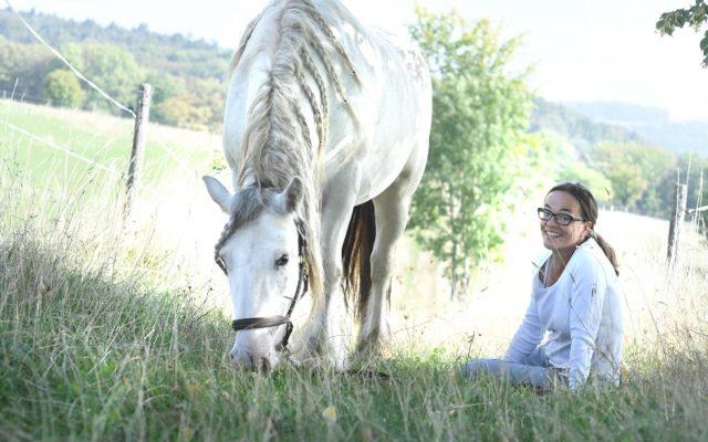 Ursula mit ihrem Pferd